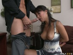 Delightful housewife Asa Akira blows dick and gets pussy licking