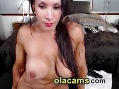 Milf bodybuilder naked on cam