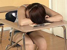 Allyson Wonder is a good student